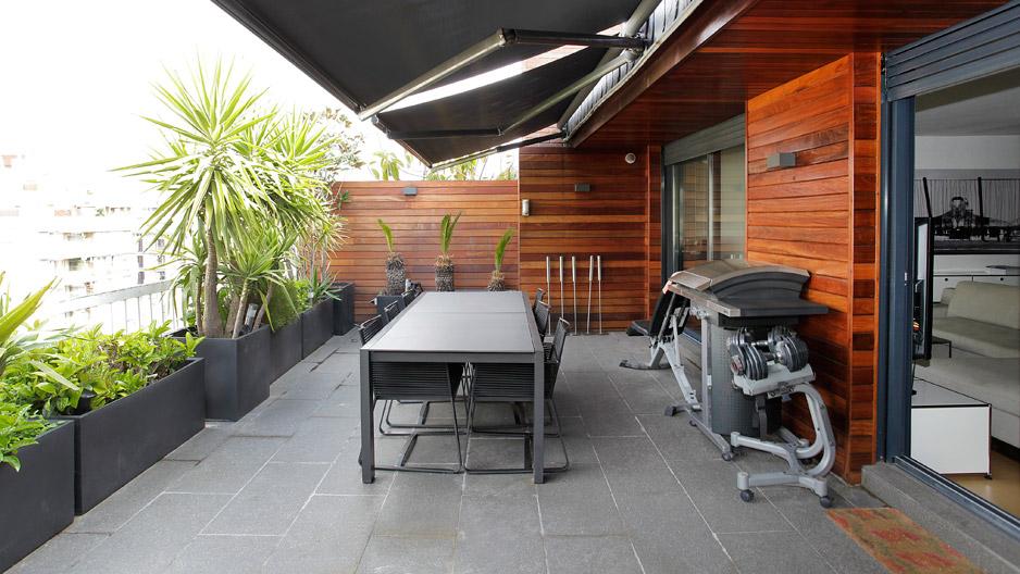 Tico de 75 m2 con encantadora terraza en barcelona - Atico terraza barcelona ...
