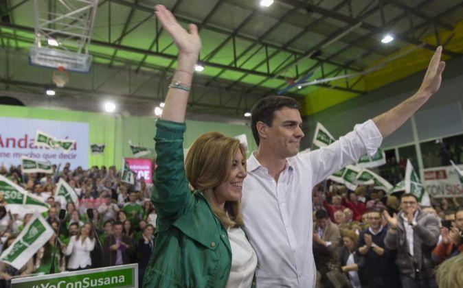 Susana Díaz y Pedro Sánchez celebran la victoria del PSOE en las...