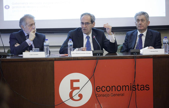 Luis Caramés,  José Manuel González-Páramo y Valentín Pich