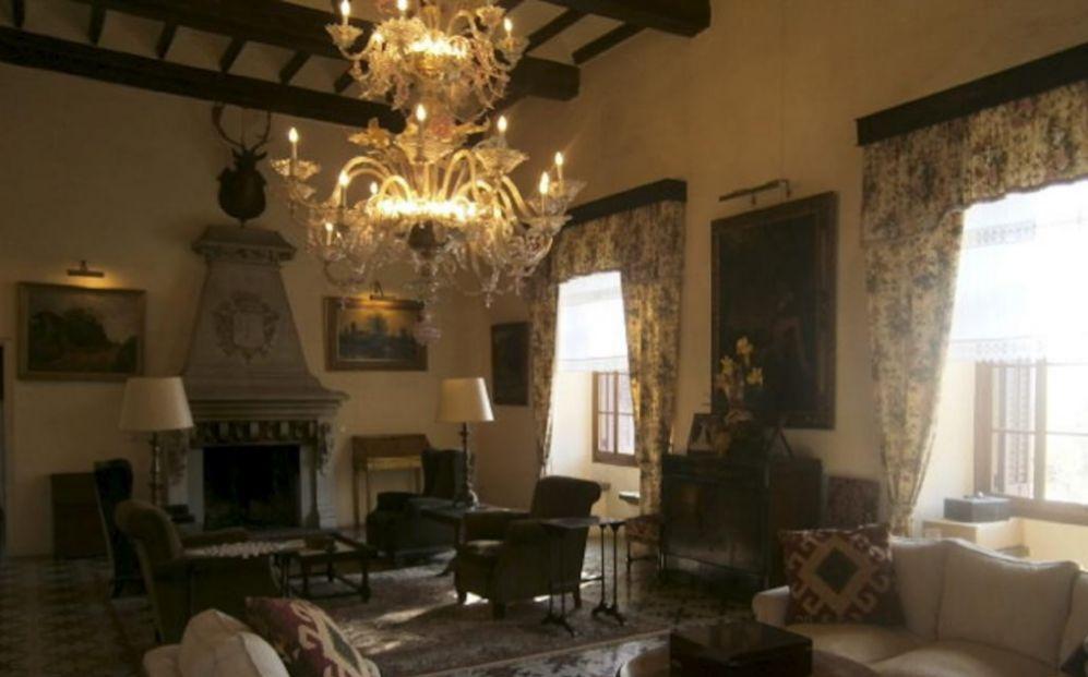 Este palacete-casa señorial del siglo XV cuenta con 28 hectáreas de...