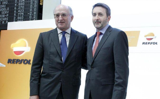 Antonio Brufau, presidente de Repsol, y Josu Jon Imaz, CEO de la...