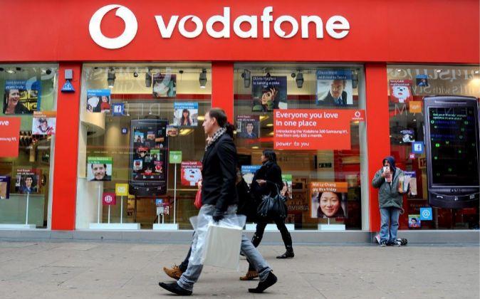 Imagen de una tienda de Vodafone en Londres