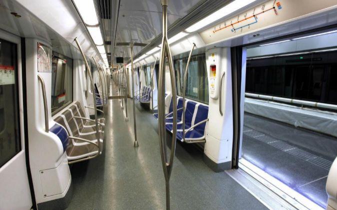 Tren de la línea 9 del Metro de Barcelona.