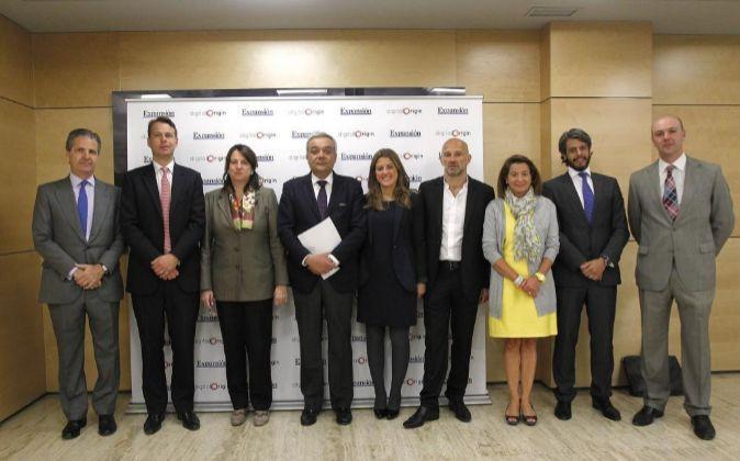 De izquierda a derecha: Jaime Carvajal, CEO de Arcano Group y...