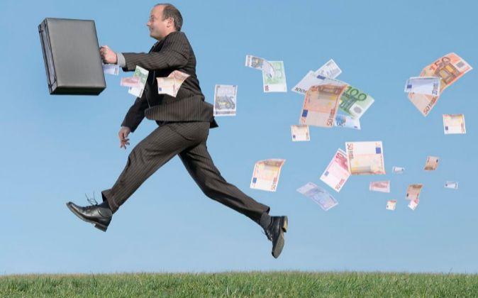 El trabajador percibe bienes por los que tributa un 6% en el IRPF, con...