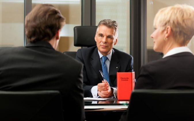 Tanta regulación financiera protege o perjudica al cliente