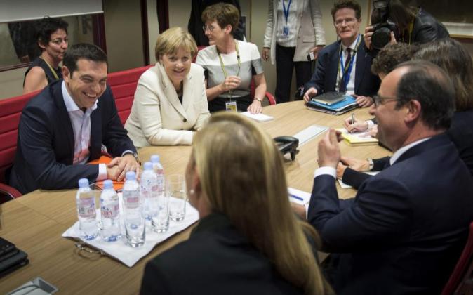 Fotografía facilitada de los mandatarios reunidos en Bruselas,...