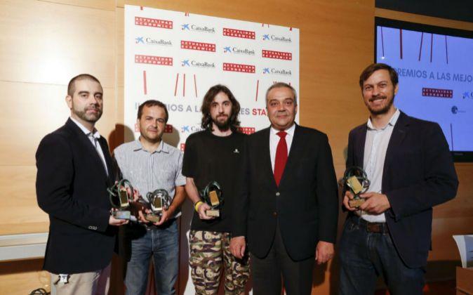 Algunos de los responsables de las start-up premiadas esta mañana por...