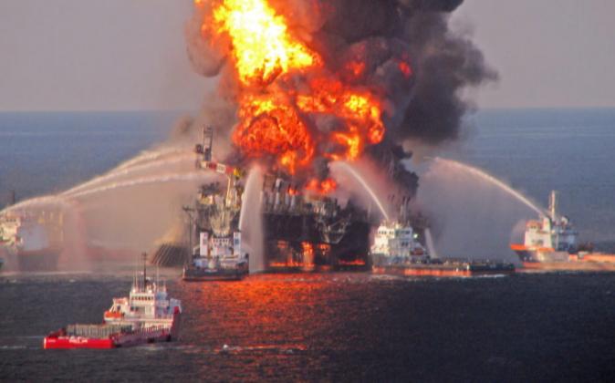 Imagen de archivo en la que se observa la plataforma Deepwater Horizon...