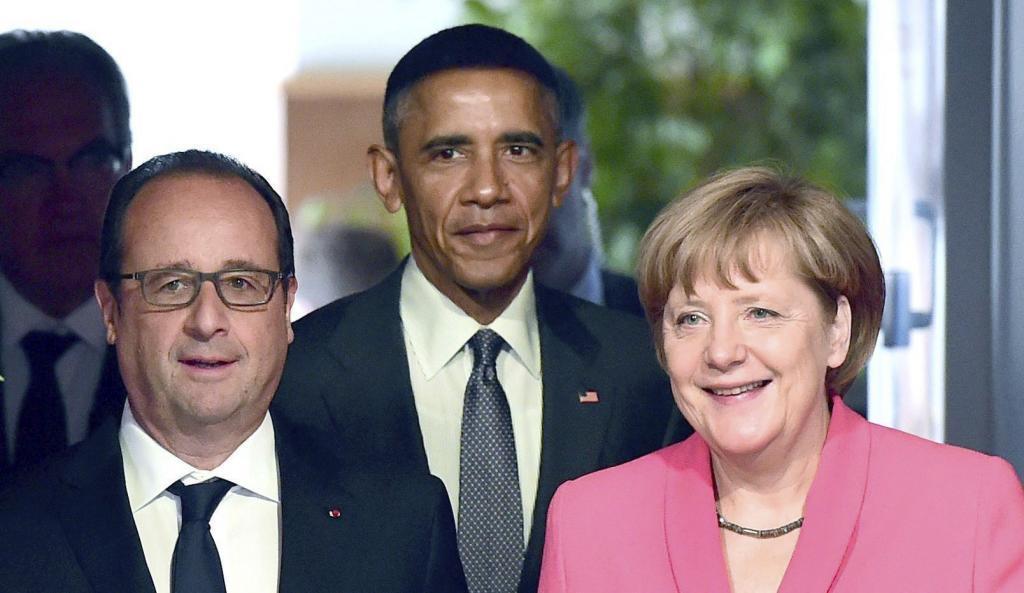François Hollande, presidente francés, y Angela Merkel, canciller...