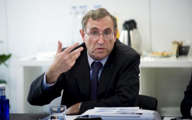 Ángel Laborda, de Funcas, en una reunión con Expansión.