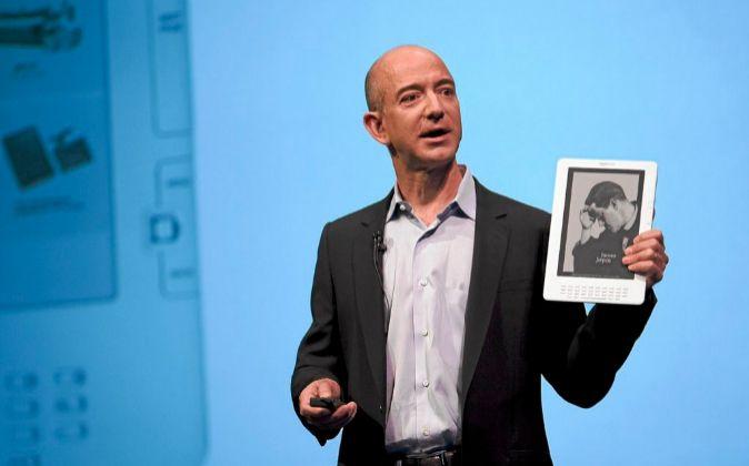 Visionario Jeff Bezzos es un ejemplo de emprendedor innovador. Hace...