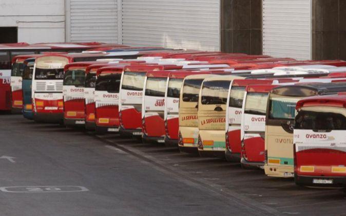 Autobuses de distintas compañías.