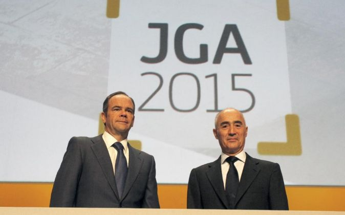 Iñigo Meirás, consejero delegado de Ferrovial, y el presidente de la...