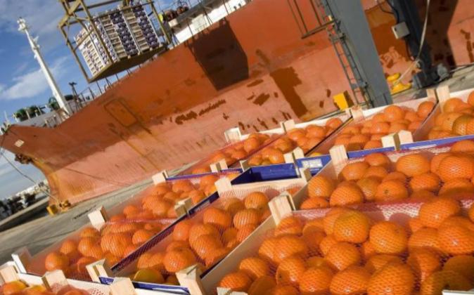 Exportación de naranjas en el Puerto de Valencia
