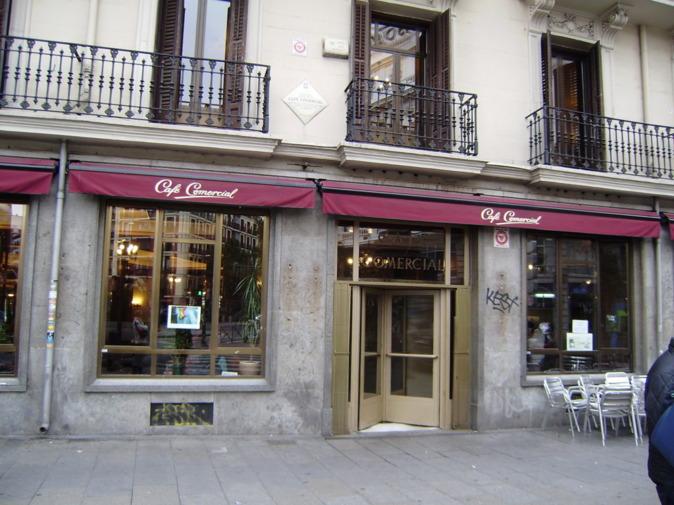 Imagen exterior de la famosa cafetería madrileña.