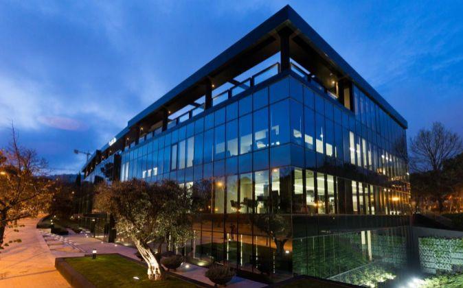 Nueva sede corporativa de Abertis, situada en la Avenida de Pedralbes...
