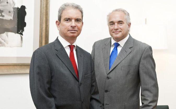 El primer ejecutivo de MCP, Albert Alsina (a la derecha), con Daniel...
