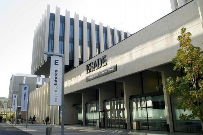 Campus que Esade tiene en Sant Cugat (Barcelona), aunque también...