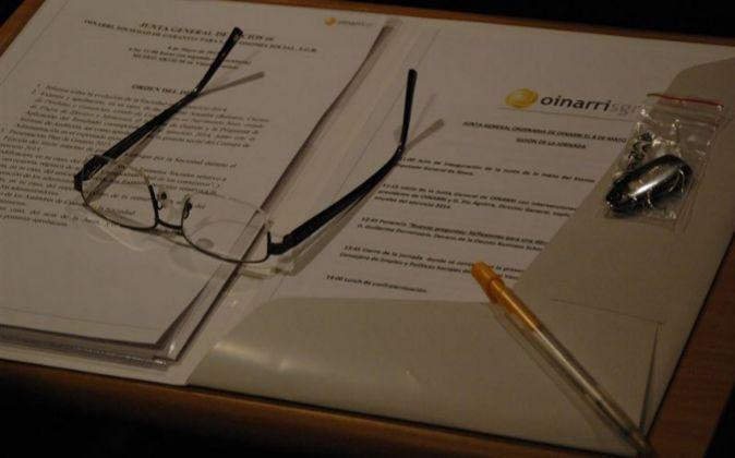 Firma del convenio entre Oinarri y ganaderos de Caspe