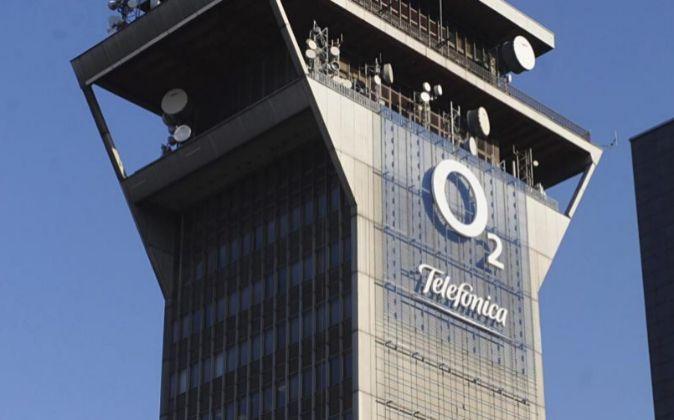 La venta de O2, la filial británica de Telefónica, a Hutchinson...