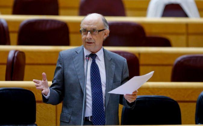 El ministro de Hacienda y Administraciones Públicas, Cristóbal...
