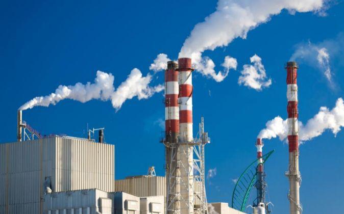 Las centrales eléctricas emiten altas cantidades de CO2.
