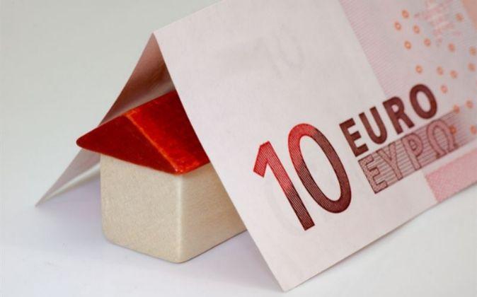 La compraventa de viviendas baja un 1,5% en el segundo trimestre en...