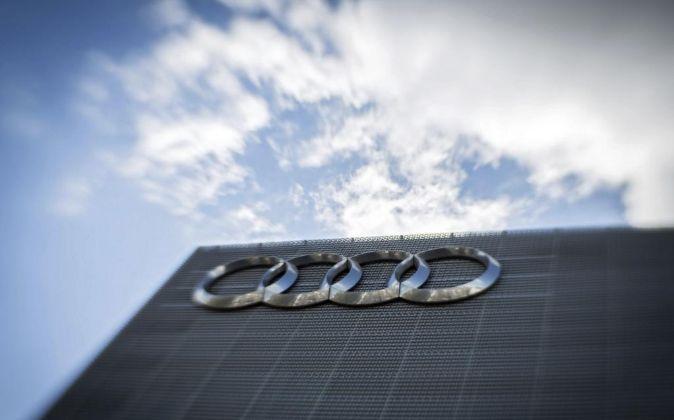 Logotipo de Audi en un concesionario de Fránforct.
