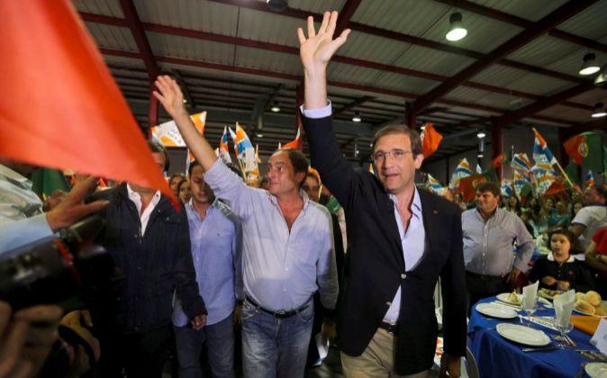 El primer ministro y candidato del Partido Social Democrático, Pedro...