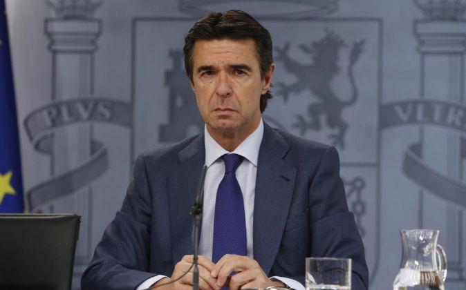 El ministro de Industria, José Manuel Soria, en la rueda de prensa...