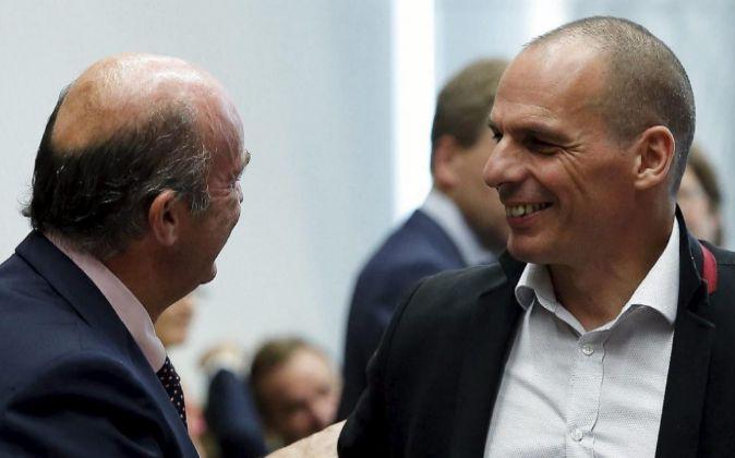 El ministro español de Economía y Competitividad, Luis de Guindos...