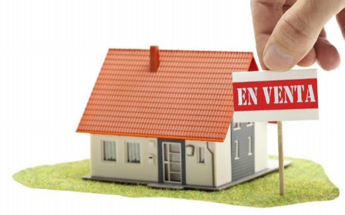 ¿Qué impuestos afectan a las compraventas de viviendas entre particulares?