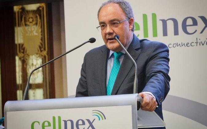 Salida a Bolsa de Cellnex, con el consejero delegado Tobías...