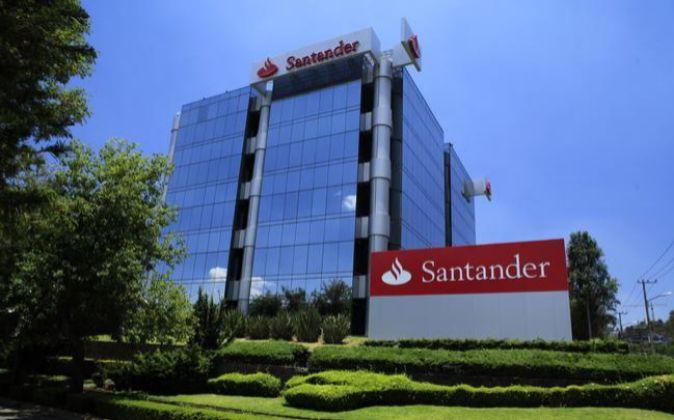 Sede de Banco Santander en México.