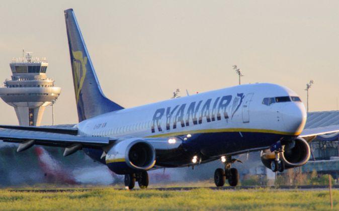 Imagen de un avión de Ryanair en el Aeropuerto de Barajas.