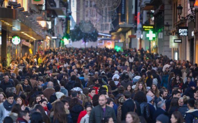 Aspecto de la calle de Preciados (Madrid) en Navidades.