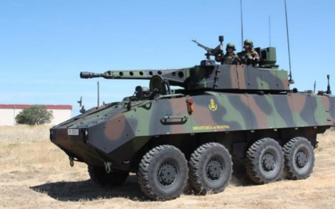 Un vehículo 8x8 de reconocimiento, modelo Piraña IIIC, durante unas...