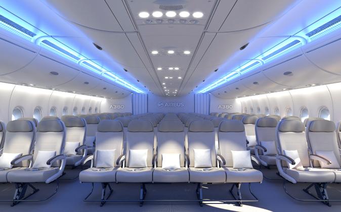 Interior de una cabina de pasajeros de un Airbus A380