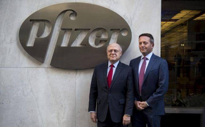 Ian Reed y Brent Saunders, CEO de Pfizer y Allergan, respectivamente