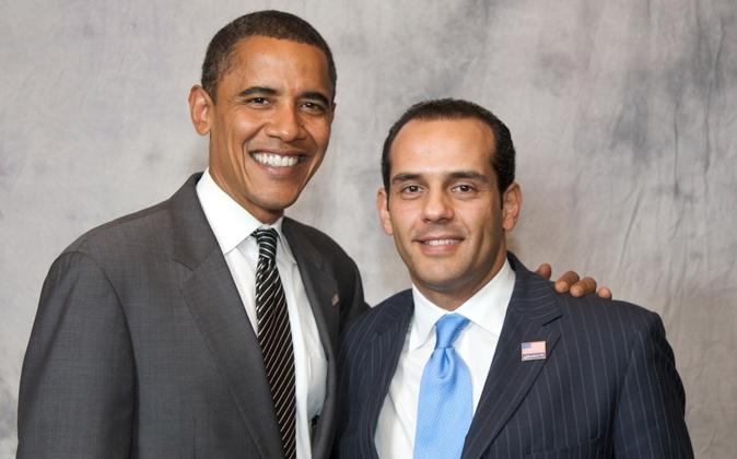 Barack Obama con el español Juan Verde, asesor de su campaña...