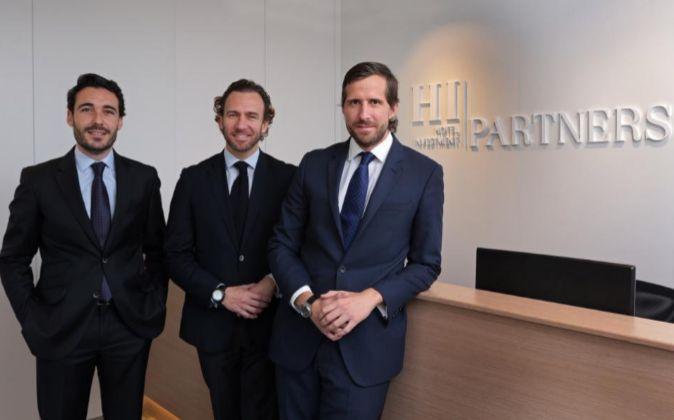 Sergio Carrascosa, Alejandro Hernández-Puértolas y Santiago Fisas,...