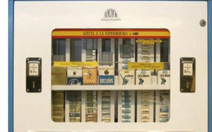 Azkoyen empezó fabricando máquinas de venta automática de cerillas,...