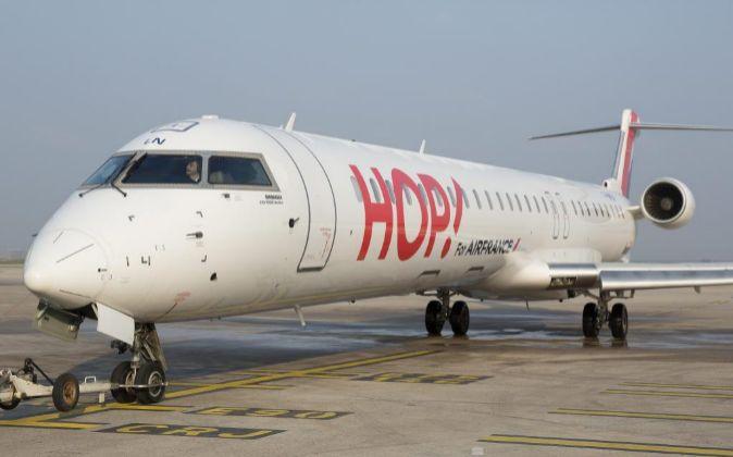 AVION DE LA AEROLINEA LOW COST HOP!, DE AIR FRANCE. AVION DE HOP