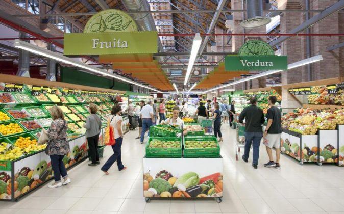 Interior de un supermercado Mercadona en Barcelona.
