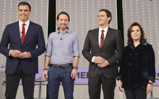 El secretario general del PSOE, Pedro Sánchez; el secretario general...