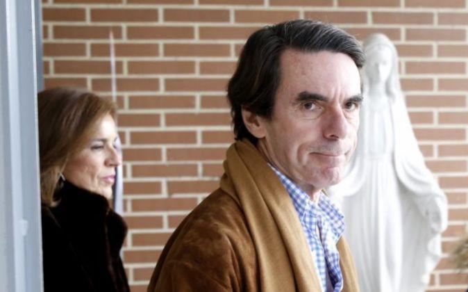 El expresidente del Gobierno José María Aznar y la exalcaldesa de...