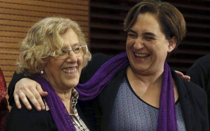 La alcaldesa de Madrid, Manuela Carmena y la alcaldesa de Barcelona,...
