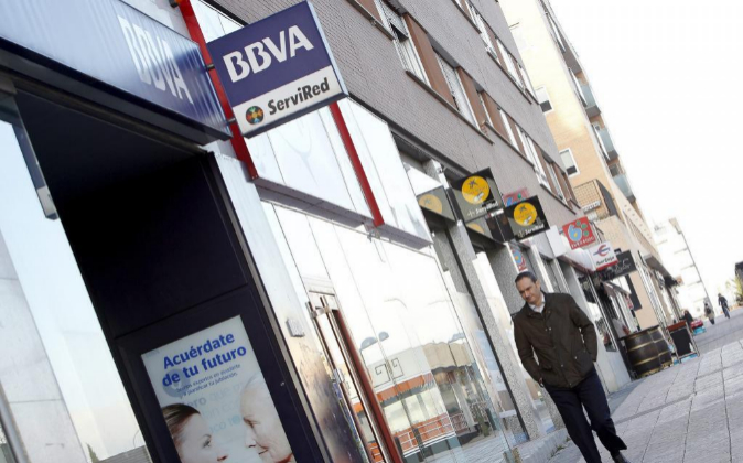 Oficinas de distintos bancos en una calle de Madrid.