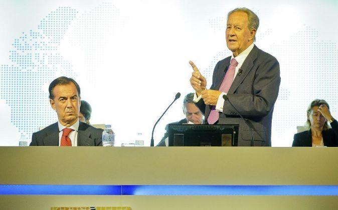 Juan Miguel Villar Mir y su hijo Juan Villar Mir.